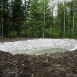 La première pluie remplit l'étang